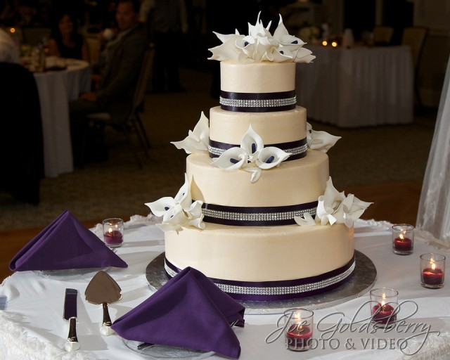 This gorgeous and delicious cake was made by Montillio's Baking Company.